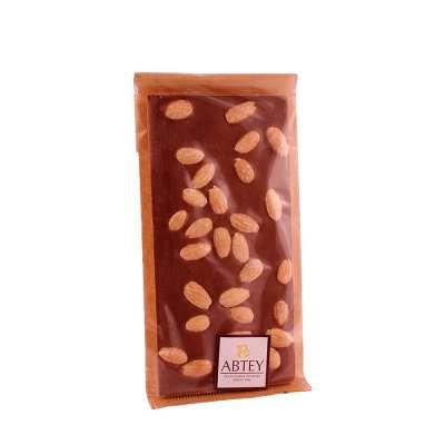 Tablette au chocolat au lait et amandes avec édulcorant