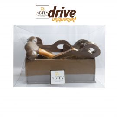 Caisse à outils au chocolat au lait décoré EN DRIVE UNIQUEMENT (330g)
