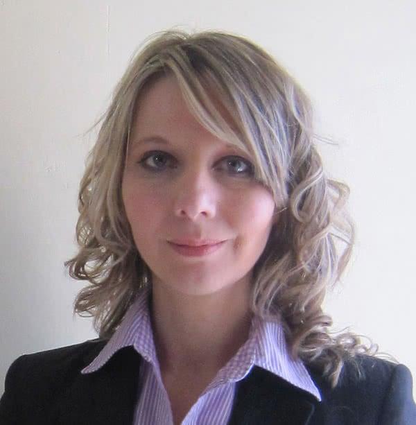2010 - Anne Catherine ROEDEL succède à sa mère Odette ABTEY